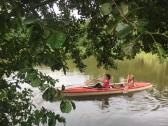 Boot fahren im See und baden